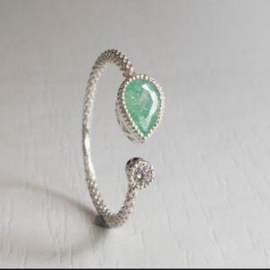 925 Sterling Silver ring mint gem (sz 4-9)